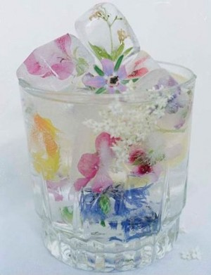 Ijsblokjes met bloemetjes, een mooi alternatief.